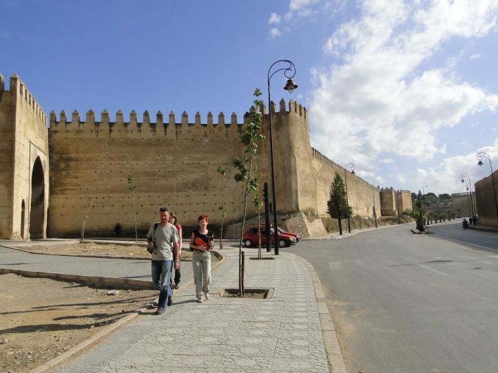 2011 MO Fes medina walls 01