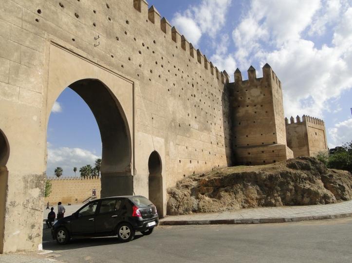 2011 MO Fes medina walls 05
