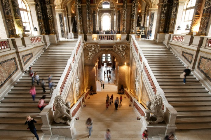 Kunsthistorisches Museum Wien View from first staircase.pg