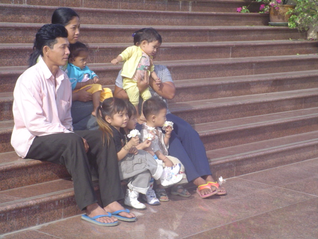 2006 Cambodia Phnom Penh Royal Palace 27.jpg