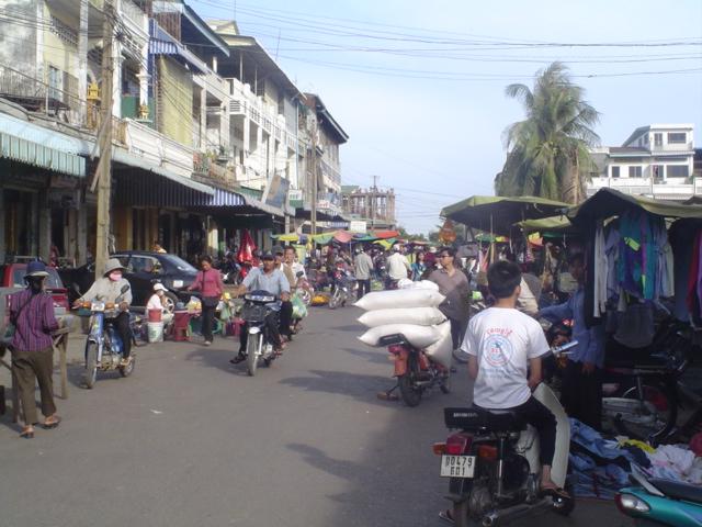 2006 Cambodia Phnom Penh Russian Market 02.jpg