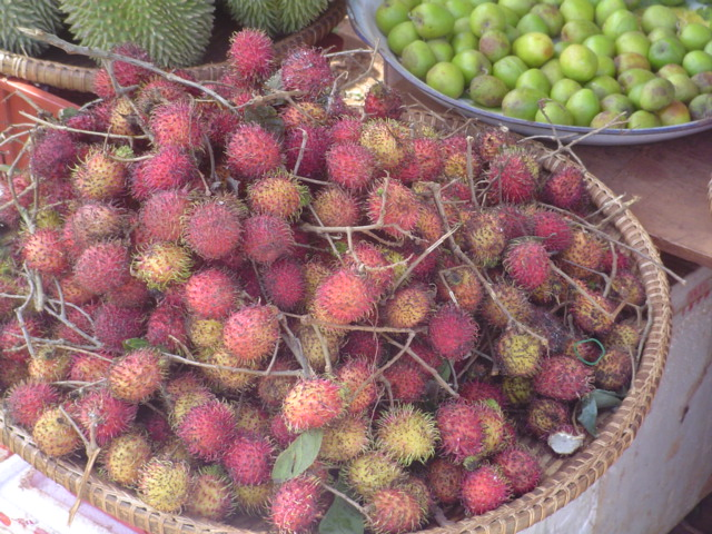 2006 Cambodia roadside market 14.jpg