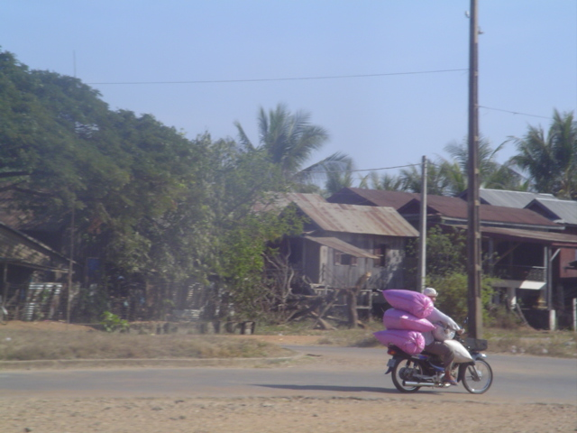 2006 Cambodia Stung Treng to Kratie road 01.jpg
